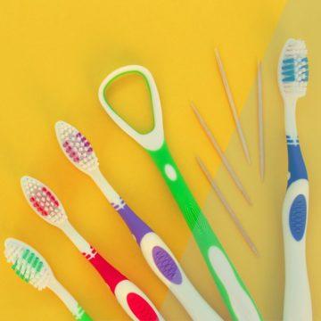 Des Plaines IL Dentist | Should I Be Using a Tongue Scraper?